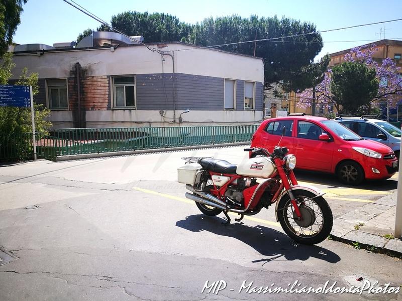 Foto di moto d'epoca o rare avvistate per strada - Pagina 16 Moto_Guzzi_Falconi