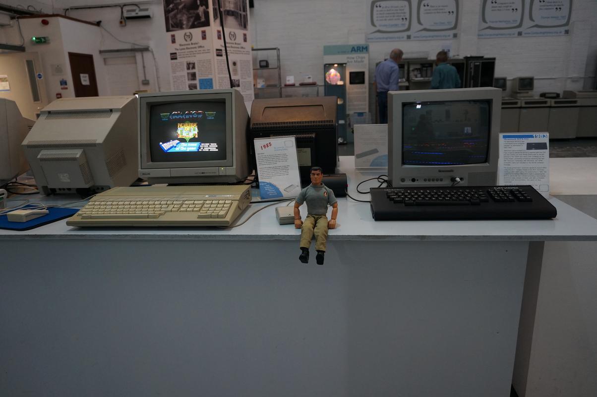 My MAM visiting  Cambridge Computer History Museum. FB10_BFE9-_B2_BC-45_D3-_B2_A6-9_F0_E4_B9_D4241