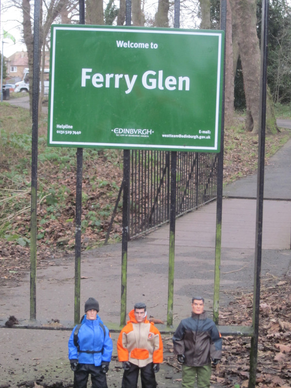 Random Action Men Ferry Glen Walking Photos. IMG_4975