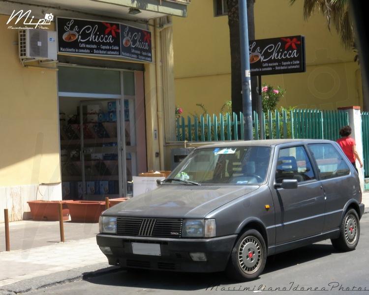 avvistamenti auto storiche - Pagina 37 Fiat_Uno_Turbo_Antiskid_i.e._1.3_105cv_88_CT845422