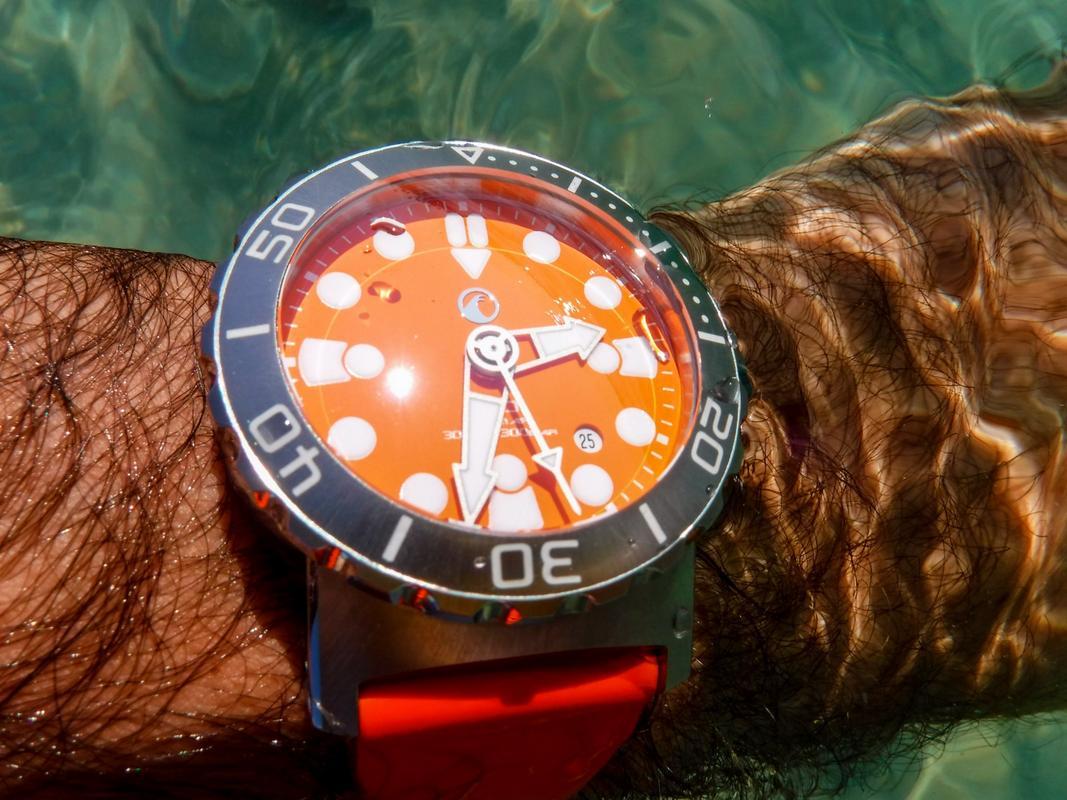 Votre montre du jour - Page 6 DSCF2330_1_1600x1200