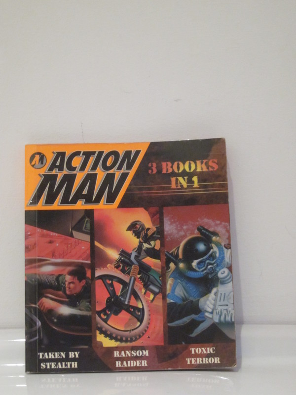 Action Man annuals and books - Page 2 IMG_4242