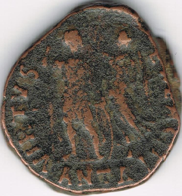 AE3 de Honorio. VIRTVS – EXERCITI. Honorio coronado por Victoria. Antioch. IR54_B