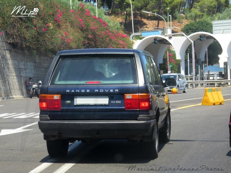 avvistamenti auto storiche - Pagina 38 Land_Rover_Range_Rover_HSE_4.6_218cv_99_AY409_BS
