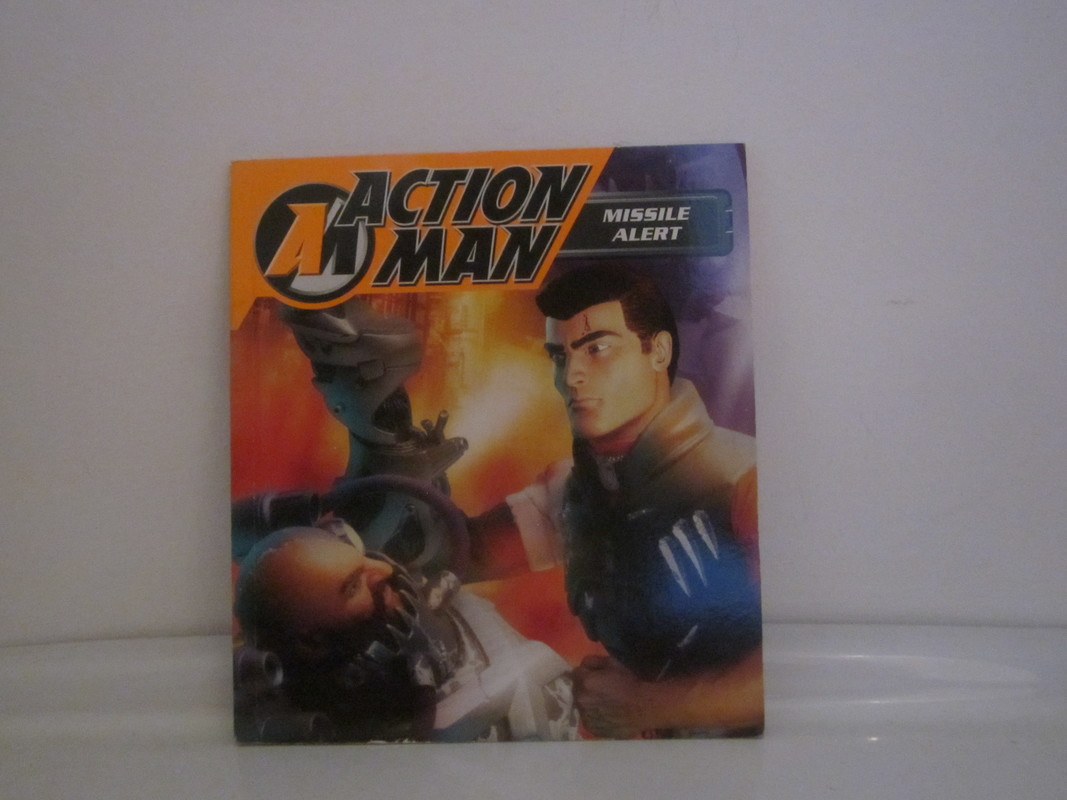 Action Man annuals and books - Page 3 IMG_5017