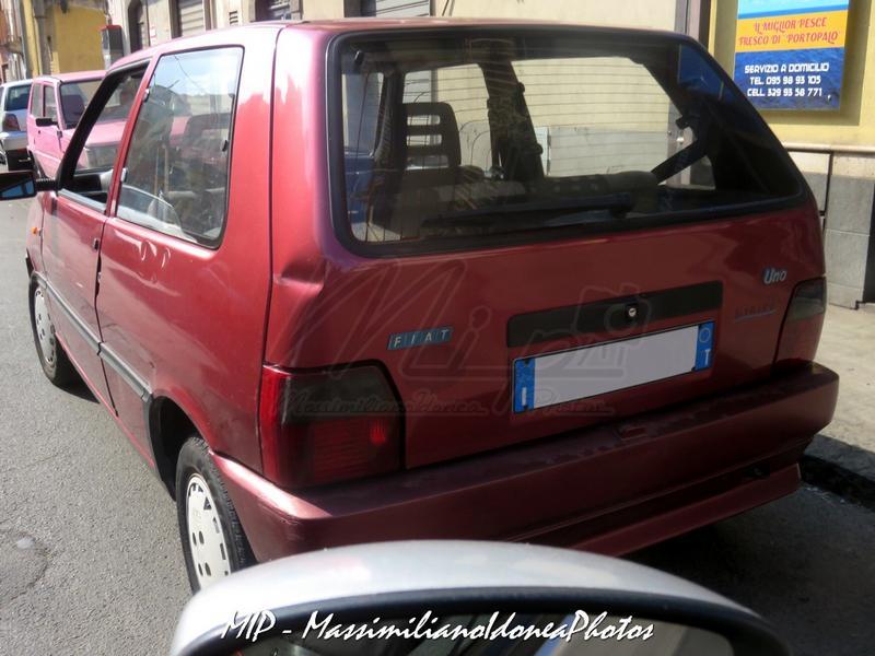 avvistamenti auto storiche - Pagina 20 Fiat_Uno_Eleganza_1.1_50cv_BF647_WN