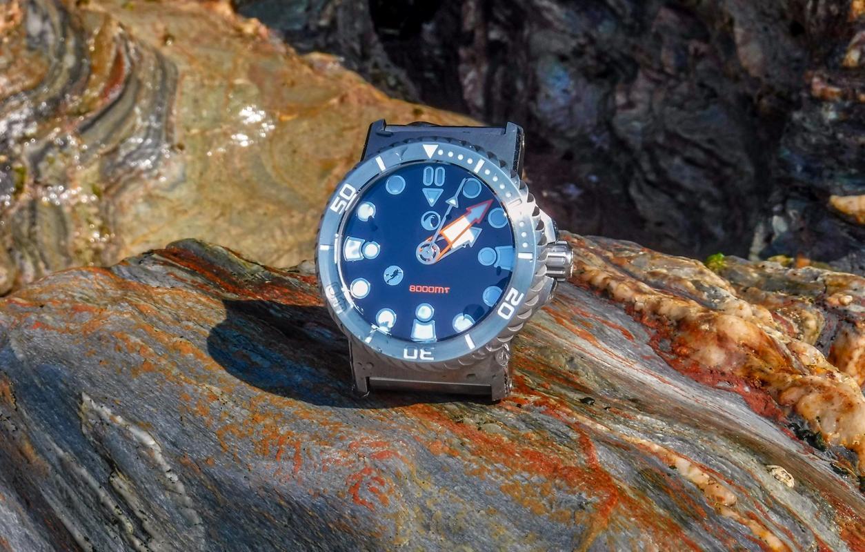 La montre du vendredi, le TGIF watch! - Page 31 DSCF2585_1_1600x1200