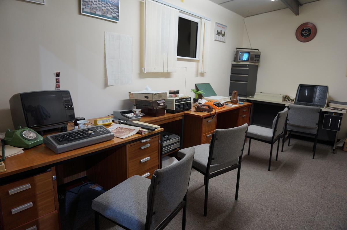 My MAM visiting  Cambridge Computer History Museum. 657_F1160-3570-4_B52-9_FA4-_A4_F7_E3_F910_F0