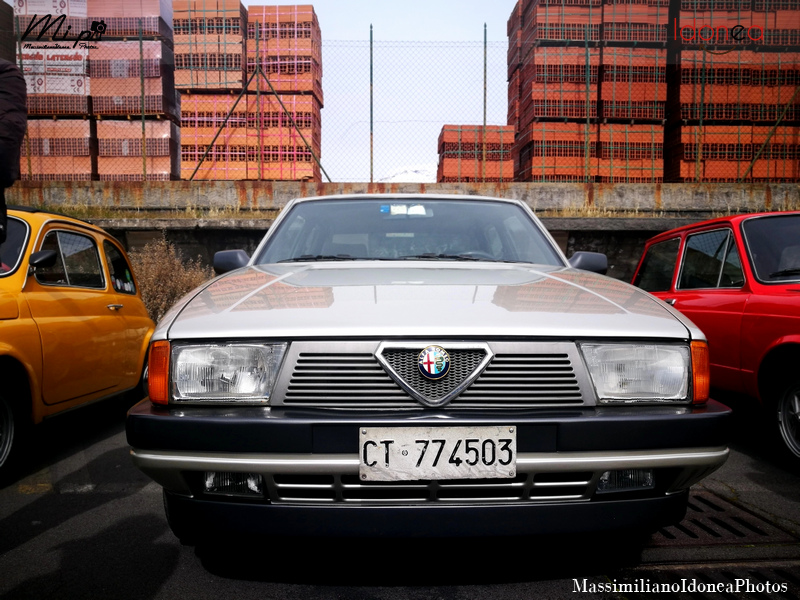 Parking Vintage Alfa_Romeo_75_1.6_110cv_87_CT774503_1