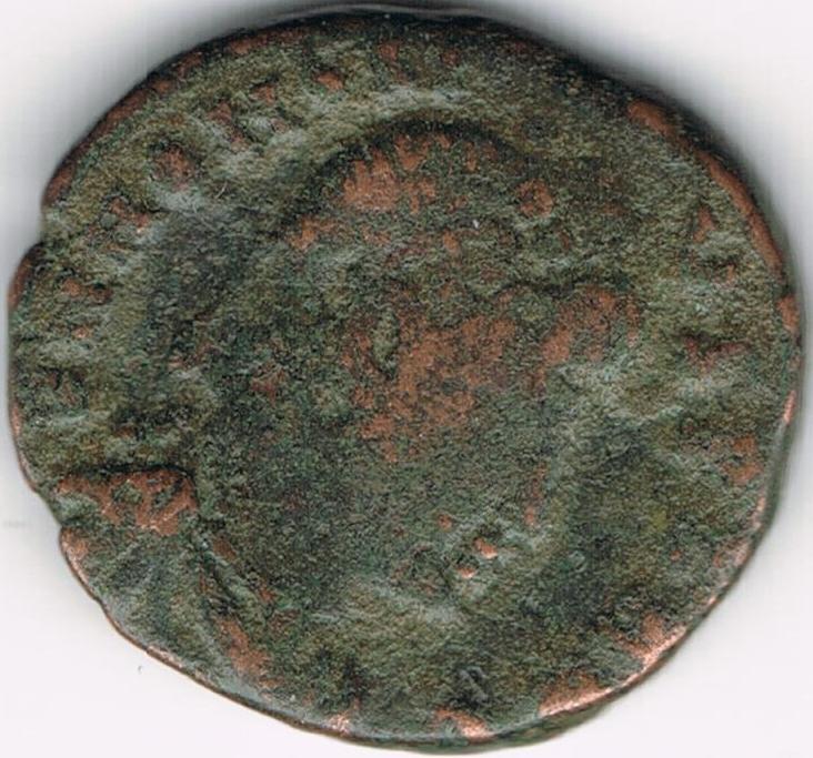 AE3 de Honorio. VIRTVS – EXERCITI. Honorio coronado por Victoria. Antioch. IR57_A
