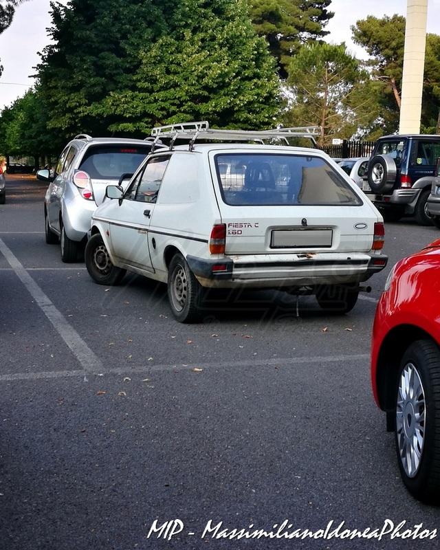 Veicoli commerciali e mezzi pesanti d'epoca o rari circolanti - Pagina 37 Ford_Fiesta_C_D_1.6_53cv_88_CT837494