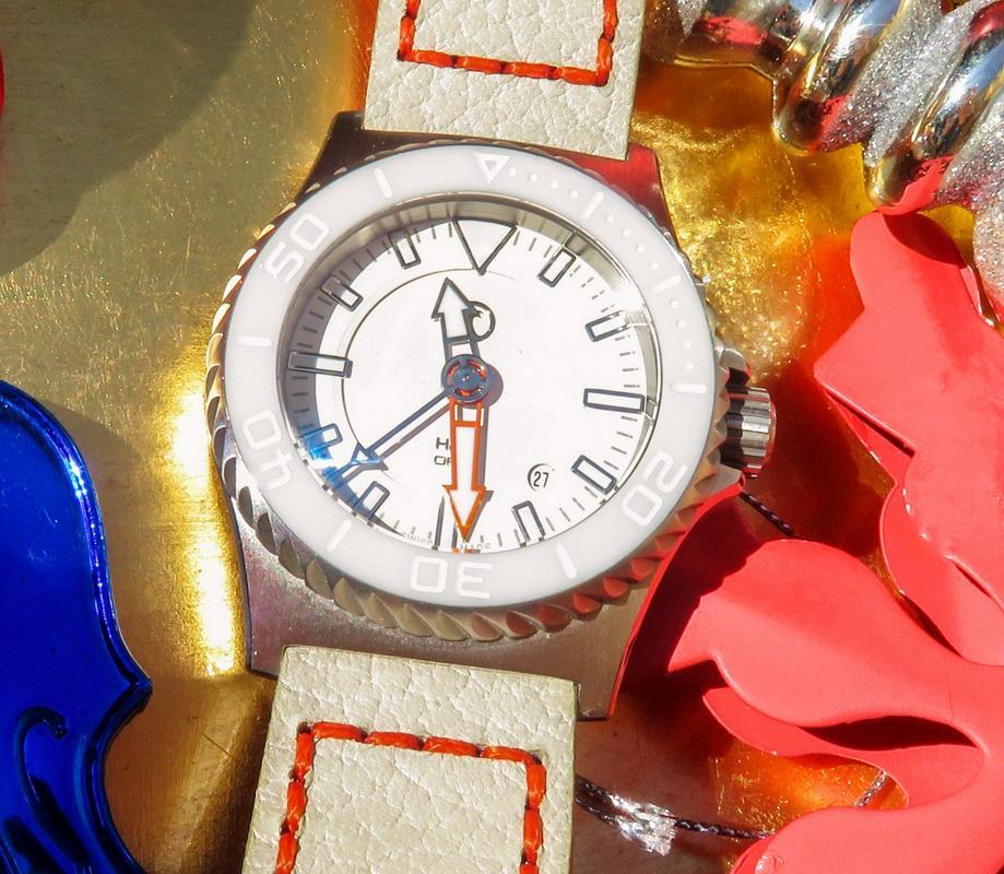 Votre montre du jour - Page 6 IMG_6900-2_1_1600x1200