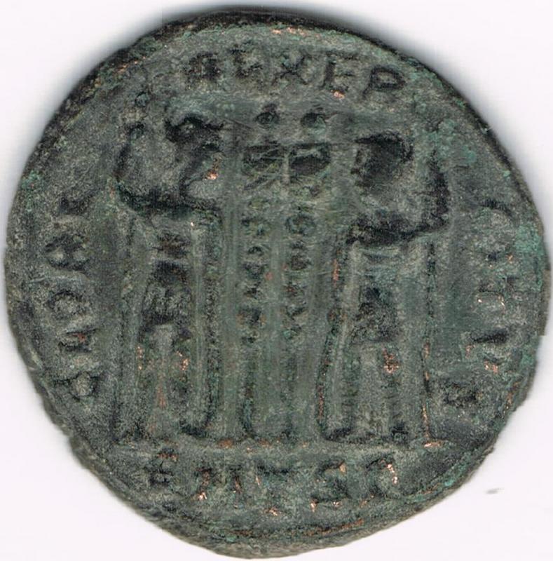 AE3 de Constancio II. GLORIA EXERCITVS. Soldados entre 2 estandartes. Tesalónica IR113_BB