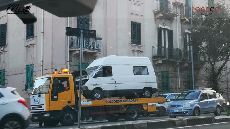 Veicoli commerciali e mezzi pesanti d'epoca o rari circolanti - Pagina 4 Renault_Trafic_Diesel_2.1_60cv_83_ME359785_1