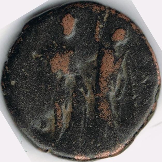 AE3 tipo VIRTVS EXERCITI. Victoria coronando a emperador IR8_B