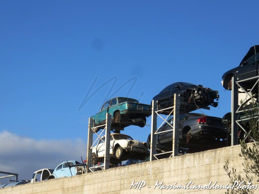 Auto Abbandonate - Pagina 38 Sfascio_Misterbianco_Volkswagen_Maggiolino_Ren