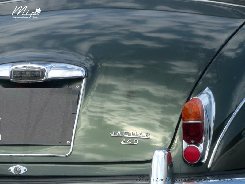 avvistamenti auto storiche Jaguar_240_2.5_RMU21636_3