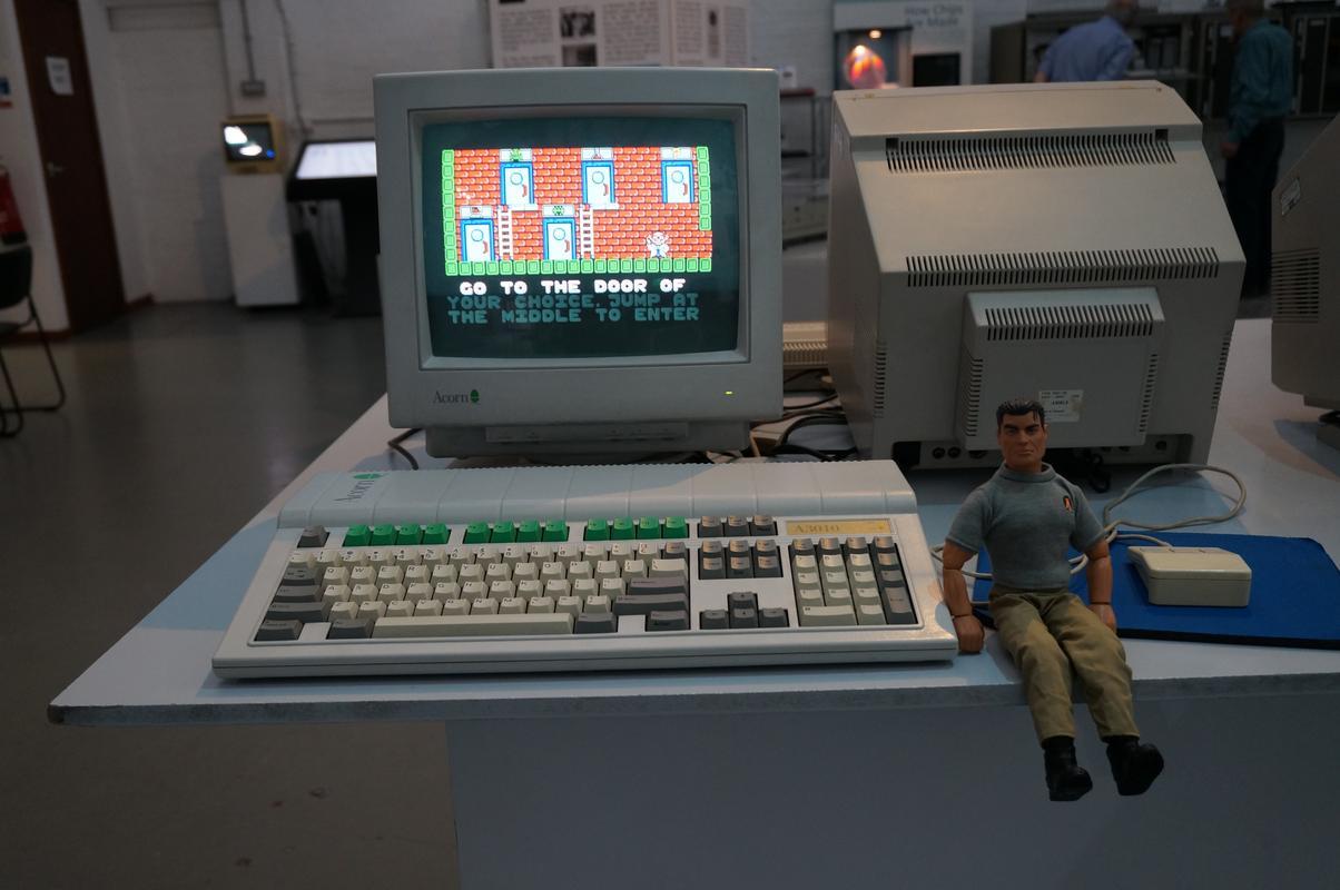 My MAM visiting  Cambridge Computer History Museum. 0_B7_AAE52-_B3_FA-4667-873_B-_BBC790_E6488_F