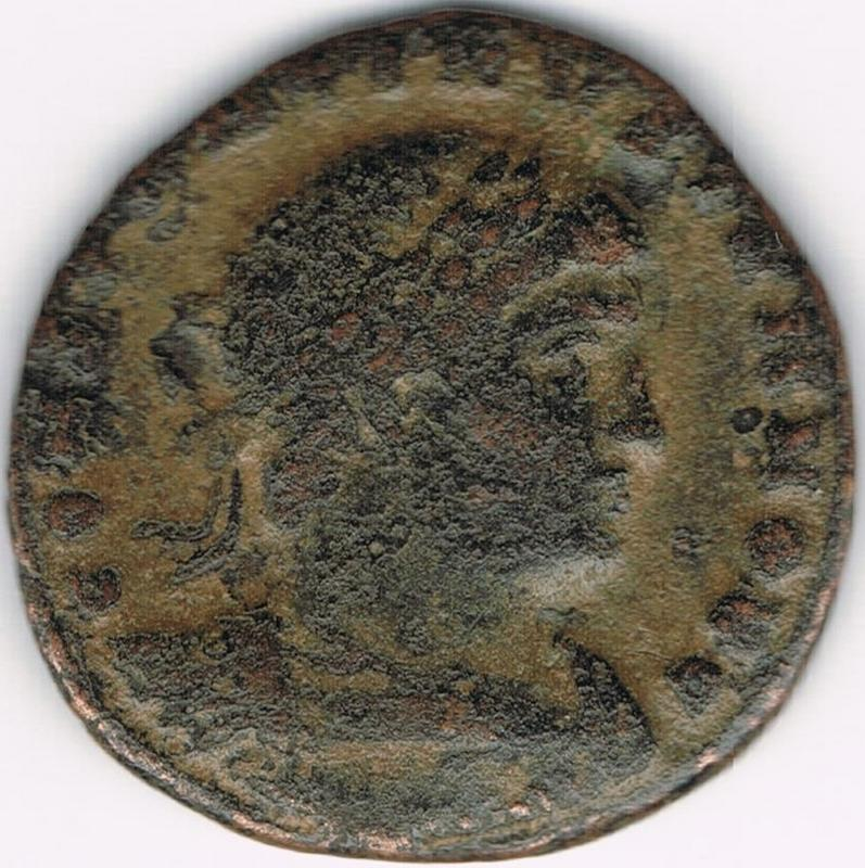 AE3 de Constantino II Cesar - GLORIA EXERCITVS - 2 estandartes - Constantinopla IR33
