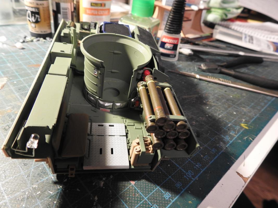 M3A3 Bradley TUSK III- Meng 1/35 - Sida 2 DSCN6110