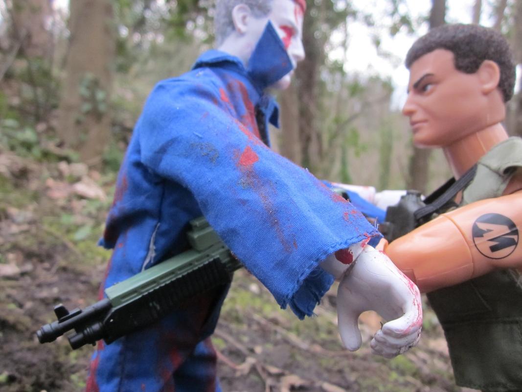One Zombie Slayer vs one Zombie. (Ackie88) IMG_2325