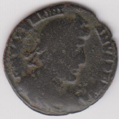 AE3 de Valentiniano I tipo GLORIA ROMANORVM. Emperador arrastrando a cautivo a dcha. Ir238a