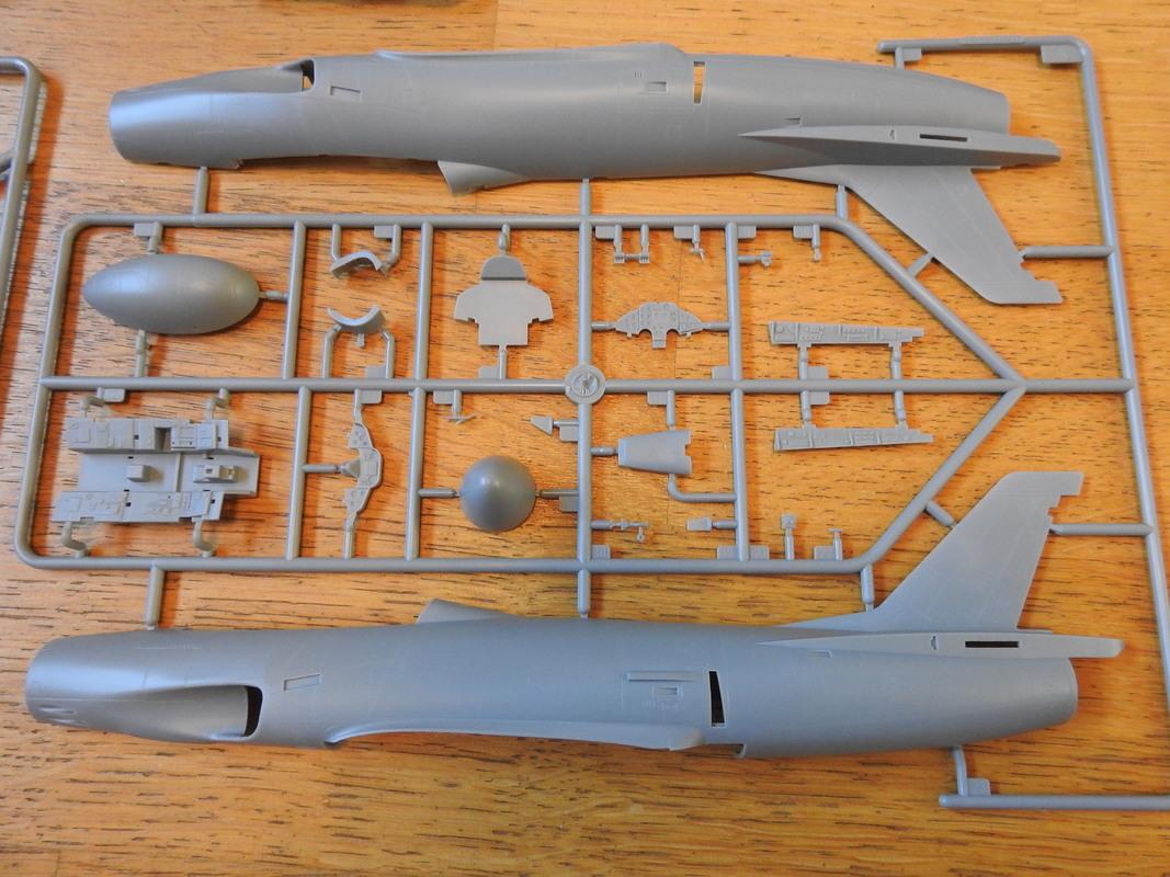 Saab J-32B/E Lansen - HobbyBoss 1:48 DSCN5085