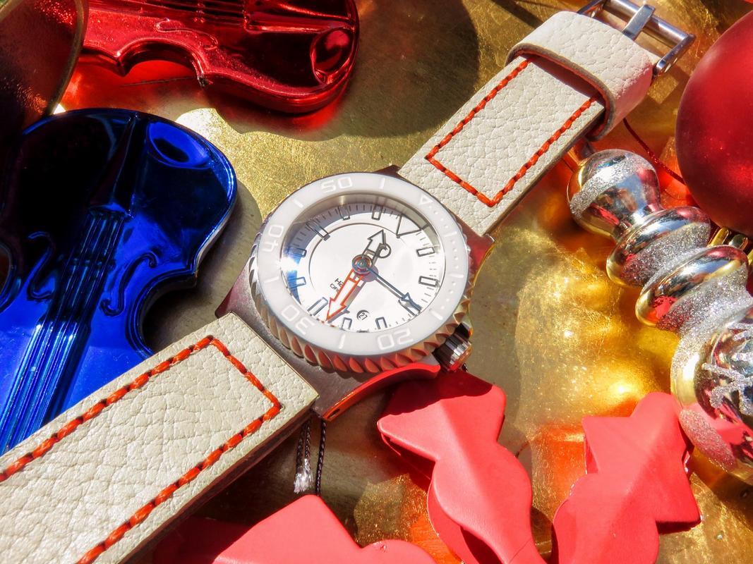 Votre montre du jour - Page 6 IMG_6896_1_1600x1200