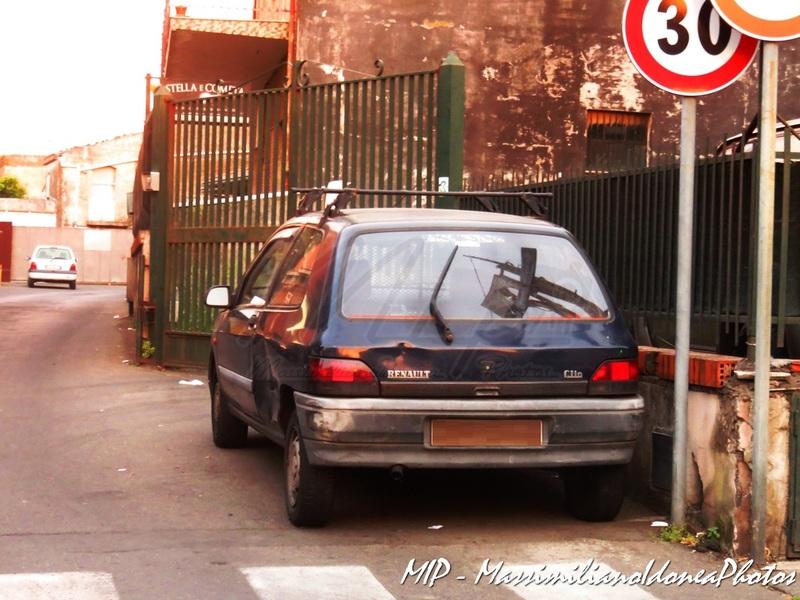 Veicoli commerciali e mezzi pesanti d'epoca o rari circolanti - Pagina 38 Renault_Clio_Van_Diesel_1.9_64cv_95_AC161_KX