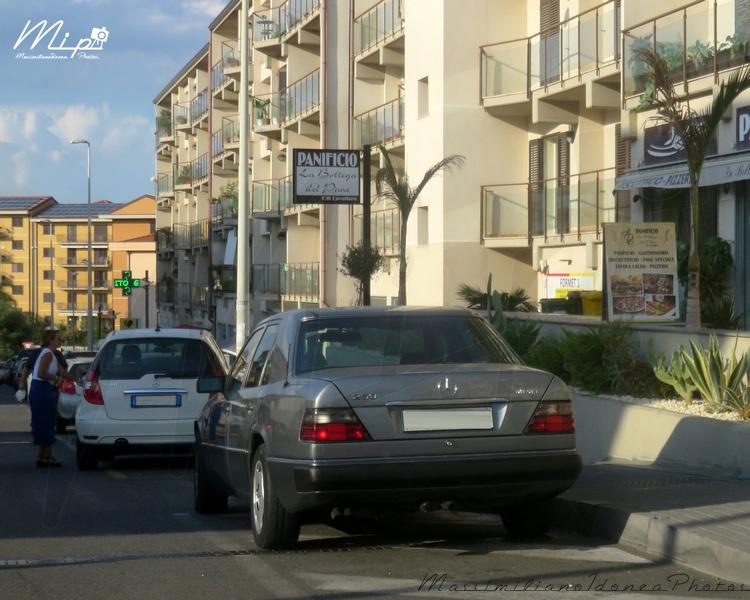 avvistamenti auto storiche Mercedes_W124_250_Diesel_2.5_125cv_CTA66825