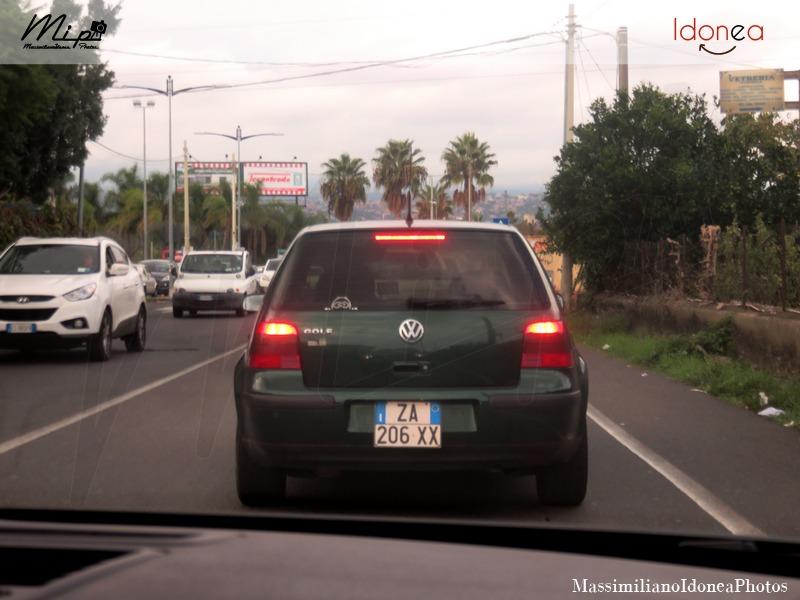Avvistamenti di auto con un determinato tipo di targa - Pagina 17 Volkswagen_Golf_ZA206_XX_3