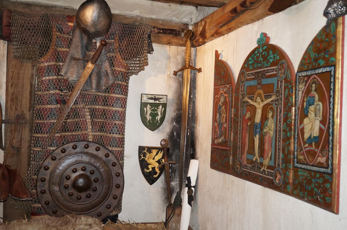 My MAM visiting Mountfitchet Castle. 76864883-1754-40_EE-_B1_D4-44_DE8_A81_BD27