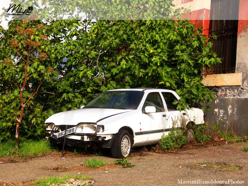 Auto Abbandonate Ford_Sierra