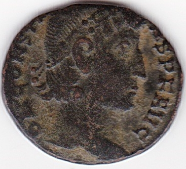 AE4 de Constancio II. GLOR-IA EXERC-ITVS . Estandarte entre dos soldados. Constantinopolis. IR99_A