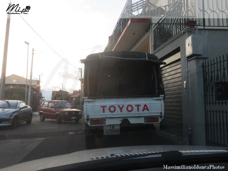 avvistamenti auto storiche - Pagina 5 Toyota_Land_Cruiser_Pickup_Diesel_3.5_90cv_88_TO42860_H_1