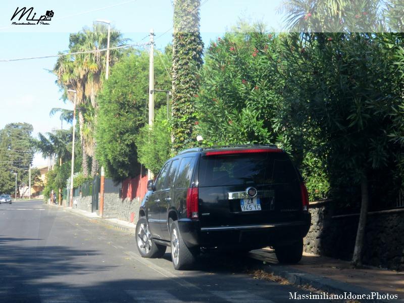 Auto Moderne - Pagina 15 Cadillac_Escalade_Frexfuel_ZA945_YC