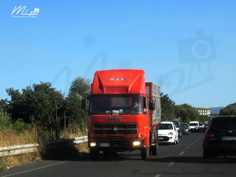 Veicoli commerciali e mezzi pesanti d'epoca o rari circolanti Fiat_130_ZA819_YX