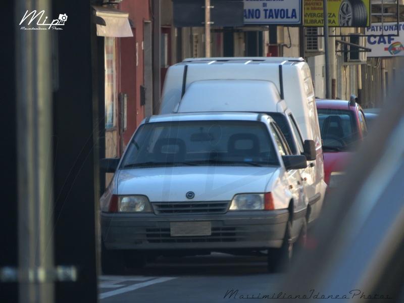 avvistamenti auto storiche - Pagina 40 Opel_Kadett_D_1.7_57cv_89_CT865601