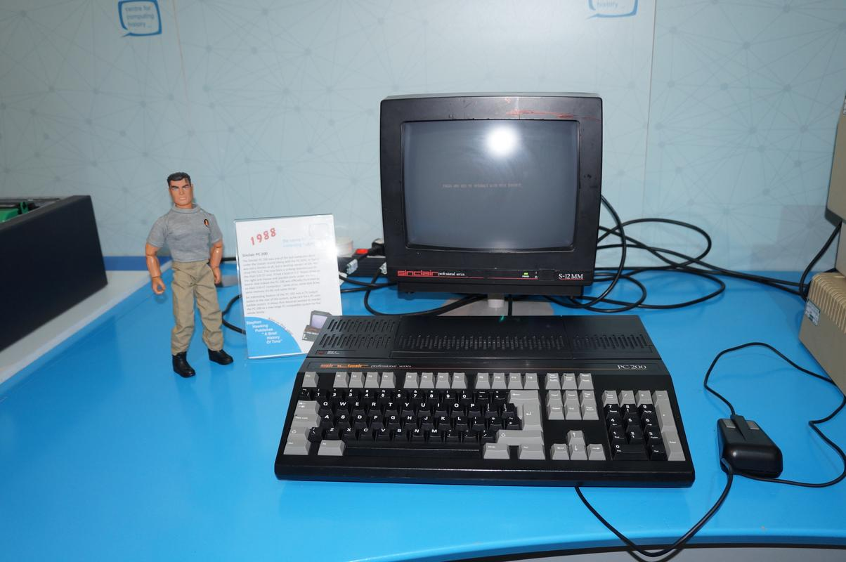 My MAM visiting  Cambridge Computer History Museum. 6010_E4_FB-320_C-470_A-_AA25-24_D55_F780_C9_F