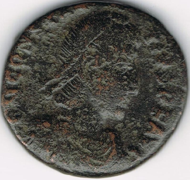 AE4 de Constancio II. FEL TEMP REPARATIO. Soldado romano alanceando a jinete caído. IR48_A