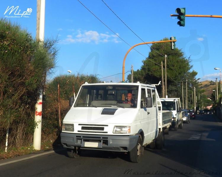 Veicoli commerciali e mezzi pesanti d'epoca o rari circolanti - Pagina 2 Iveco_Turbodaily_2.5_116cv_95_AH100_YL