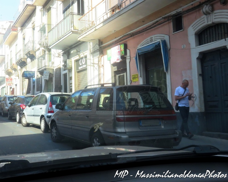 Avvistamenti auto rare non ancora d'epoca - Pagina 39 Hyundai_Santamo_Confort_16_V_2.0_139cv_00_BH135_V