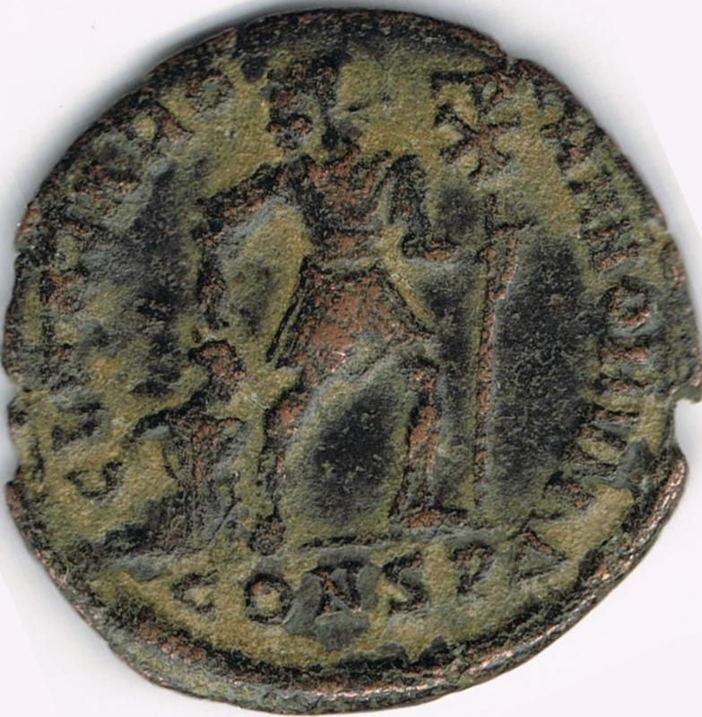 AE3 de Valentiniano I - GLORIA RO-MANORVM - Constantinopla IR34_B