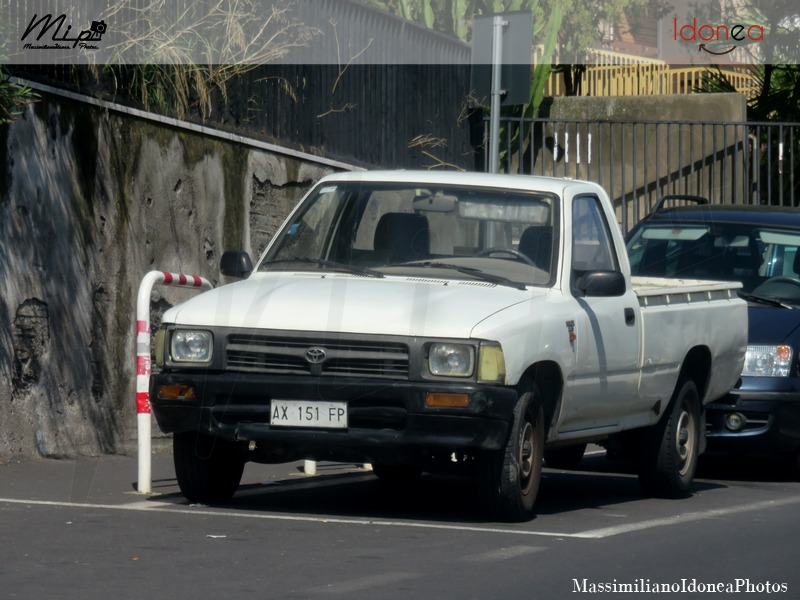 Veicoli commerciali e mezzi pesanti d'epoca o rari circolanti - Pagina 2 Toyota_Hilux_D_2.4_79cv_97_AX151_FP