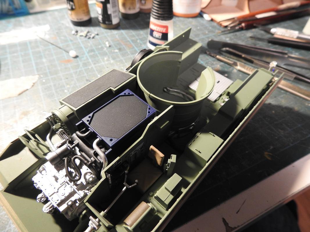 M3A3 Bradley TUSK III- Meng 1/35 - Sida 2 DSCN6071