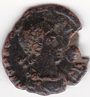 AE4 de Teodosio I. VOT / X / MVLT / XX dentro de corona. Antioch. IR233_A