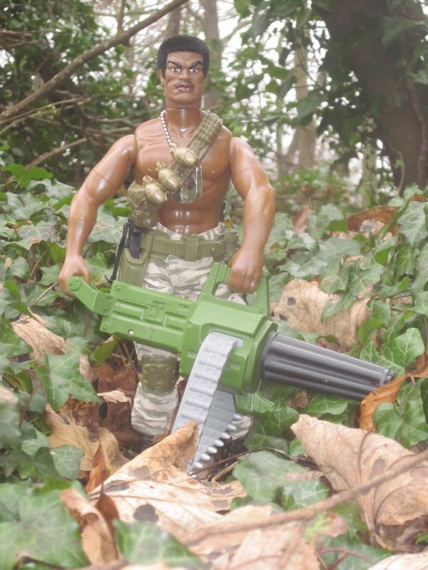Stalker holding a high speed Gatling gun. 0_E119_D9_C-0092-41_DD-9_F36-40_A348893_DF8