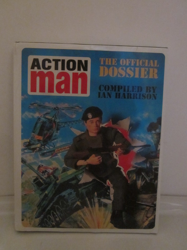 Action Man annuals and books - Page 3 IMG_4978