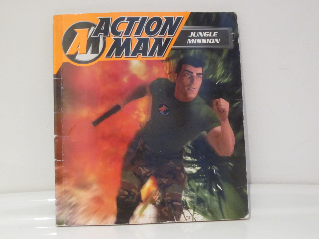 Action Man annuals and books - Page 2 IMG_4321