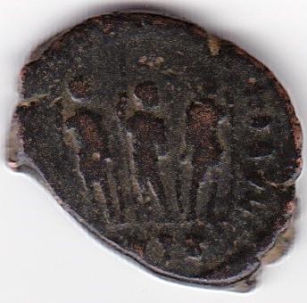 AE4 de Arcadio. GLORIA ROMANORVM. Los tres emperadores. IR91_B